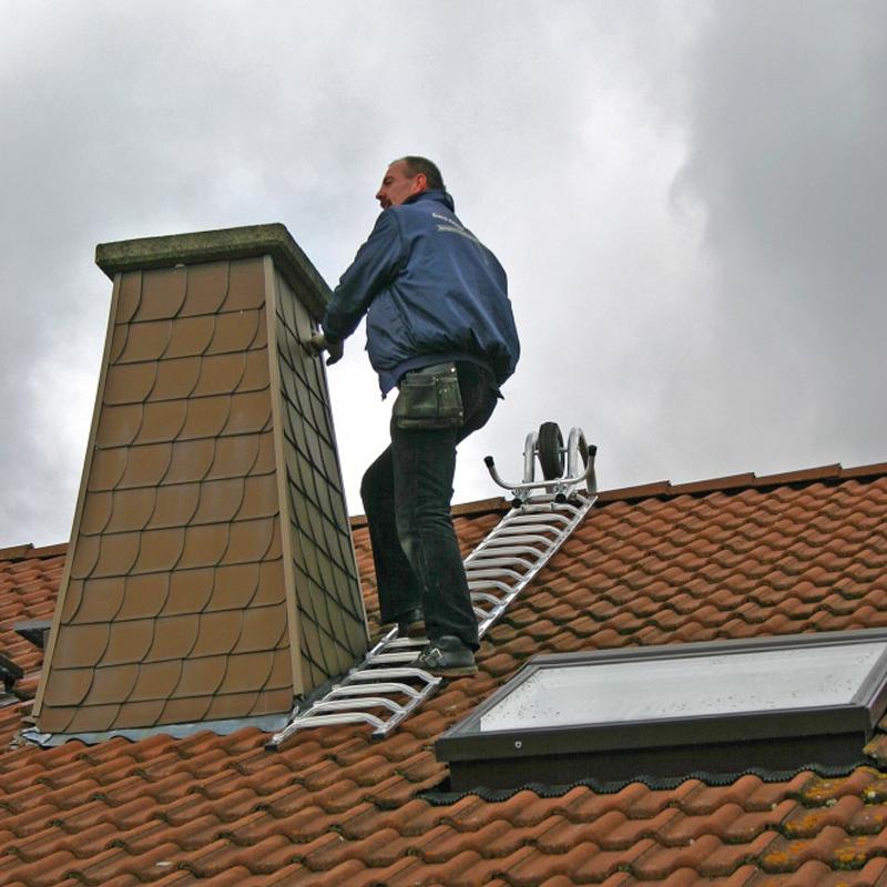 Suport prindere scara de acoperis pe varf, mobila