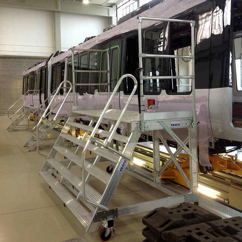 Platforme mobile pentru intrari - solutii de acces din aluminiu pentru vehicule feroviare si comerciale